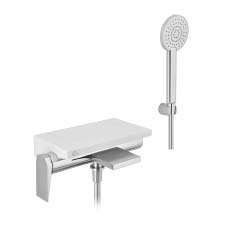 однорычажный смеситель для ванны внешний