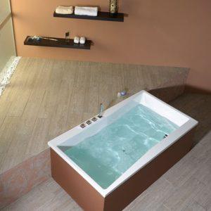 Акриловая ванна коллекция QUEST